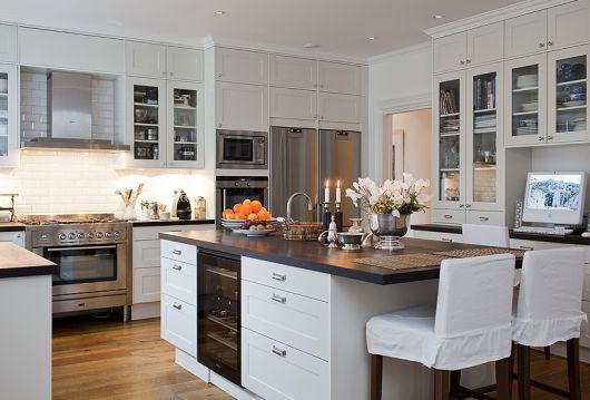 Cozinha branca clean.