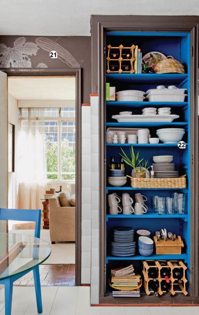 organização de armario de cozinha