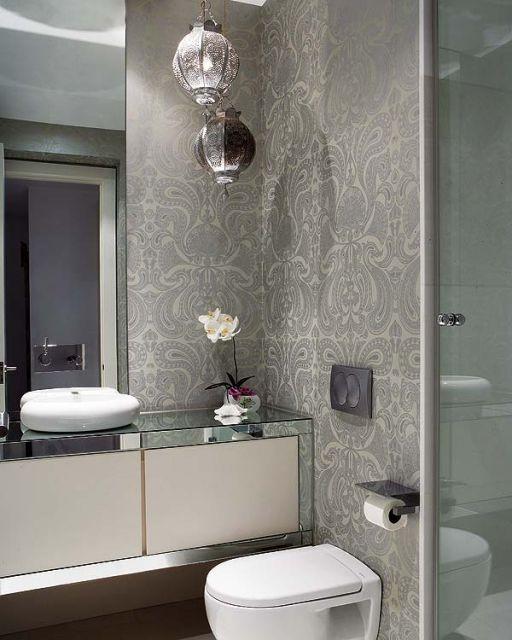 Lustre para banheiro cinza.