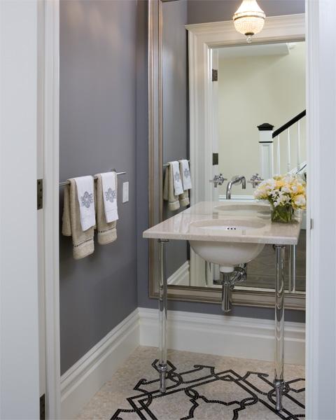 Lustre para banheiro neutro.
