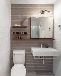 Lustre para banheiro branco.