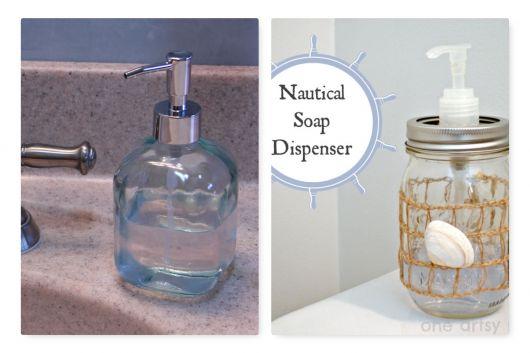 Porta sabonete líquido de vidro no estilo náutico/praia.