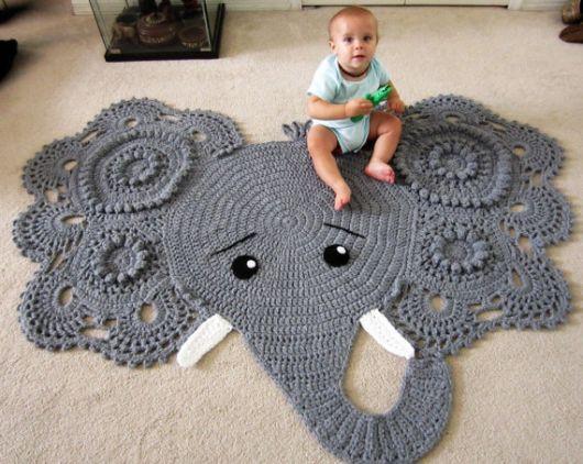 tapete de croche de elefante cinza