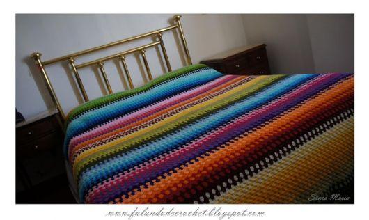 Colcha de Crochê colorida estilo arco-íris