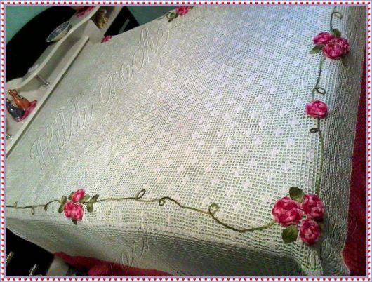 Colcha de Crochê com flores nas bordas