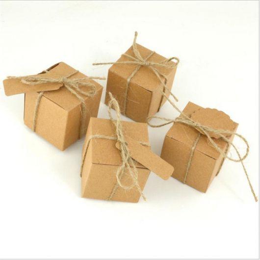 caixa quadrada papel kraft