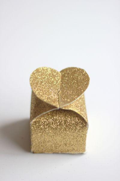 caixa de papel com glitter