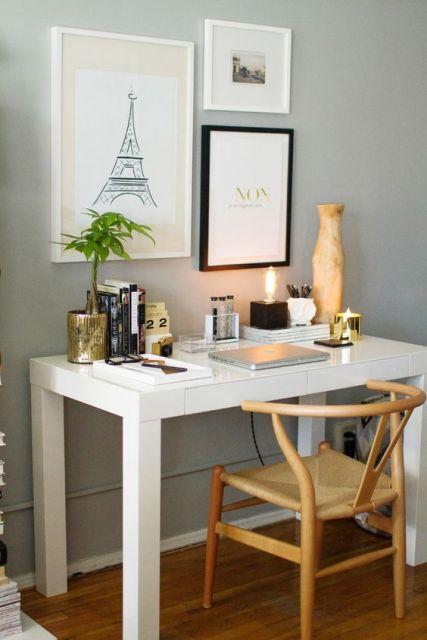 escrivaninha simples com gavetas