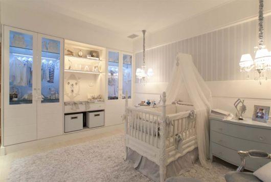 quarto branco bebê