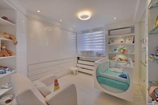 quarto branco e moderno