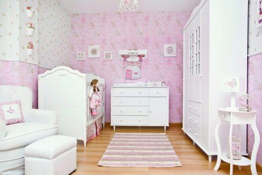 quarto bebê rosa e branco