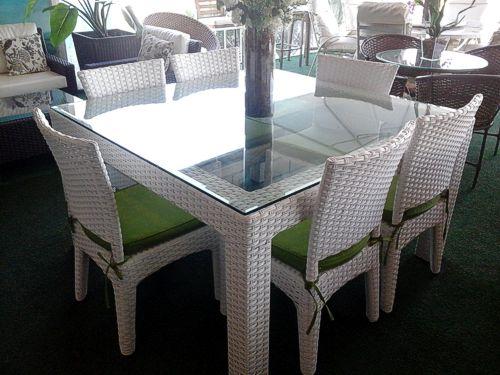 mesas de vime brancas