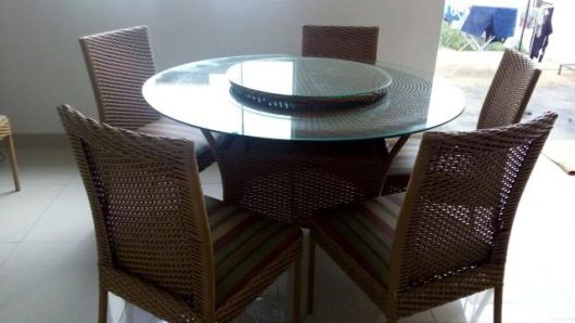 mesas de vime redonda com tampo de vidro