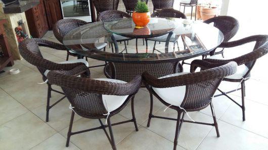 mesas de vime redonda com oito lugares