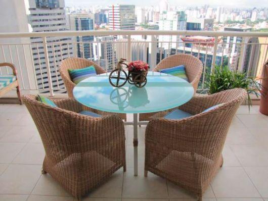 mesas de vime para varanda de apartamento