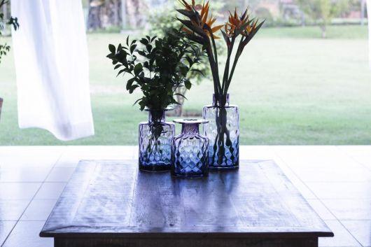 modelos de vaso azul para usar na decoração