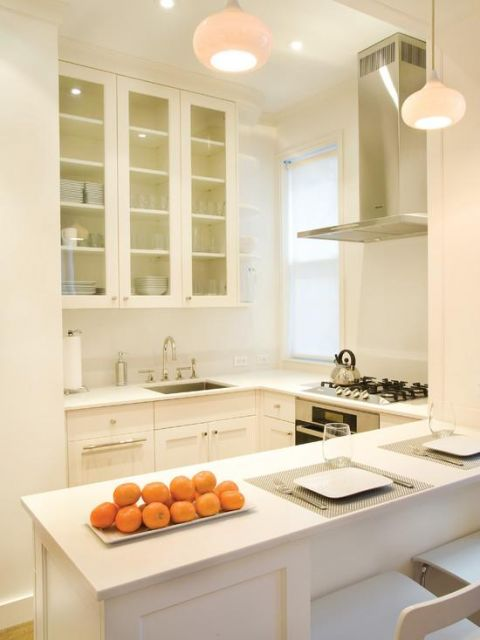 cozinha branca com bancada