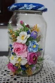 Flores de Biscuit com folhas no pote