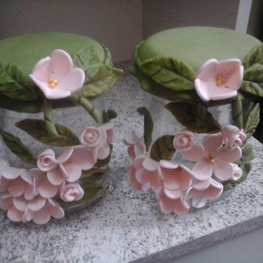 Flores de Biscuit rosa claro no pote