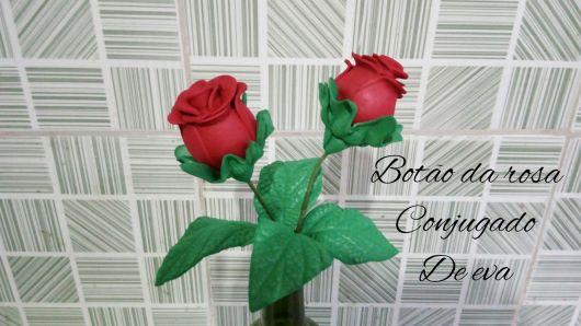 Rosa de EVA botão vermelho