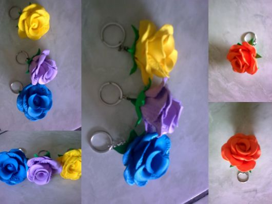 Rosa de EVA amarela chaveiro