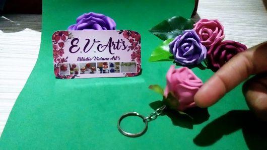 Rosa de EVA lilás chaveiro