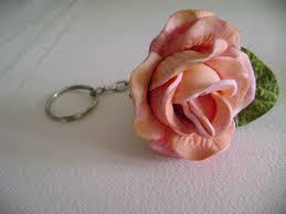 Rosa de EVA rosa clara chaveiro