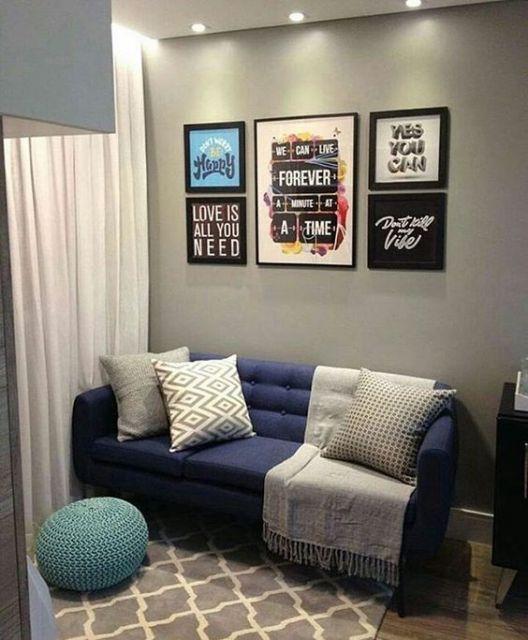 sofá retrô azul