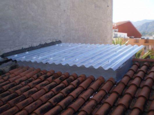 telhado com telha ondulada