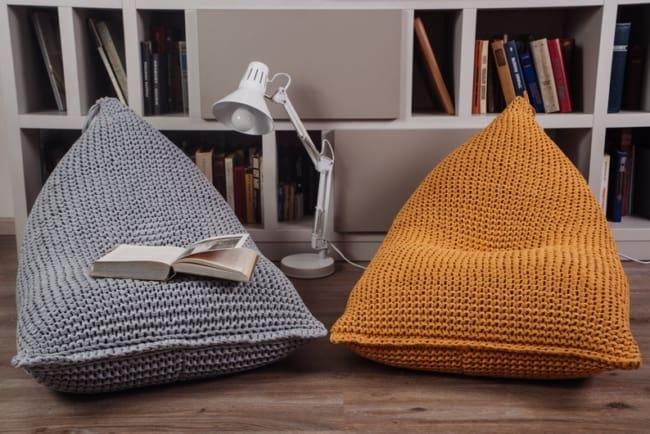 Modelos de puffs gigantes de crochê para crianças