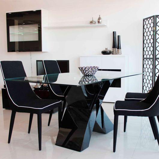 mesa de vidro com base preta