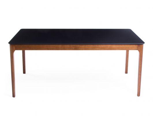 Mesa de madeira com tampo preto