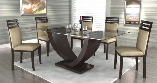 Base com design irreverente para mesa de jantar
