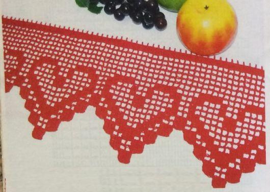 Bico de crochê de coração vermelho