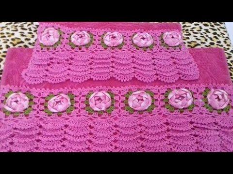 Bico de crochê em toalha rosa