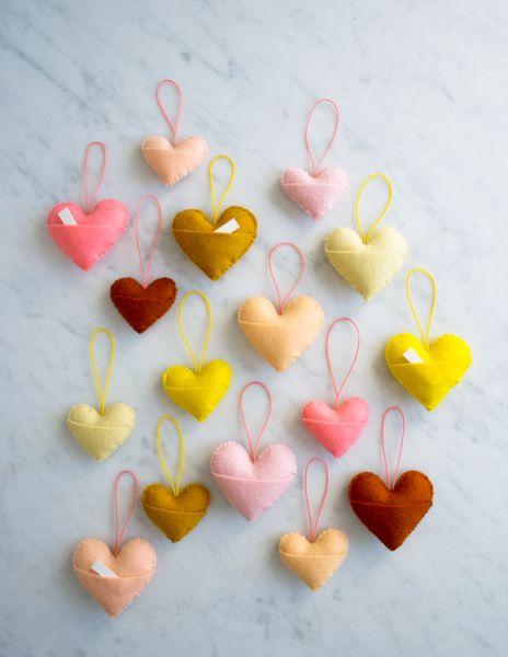 chaveiro de feltro coração rosa claro