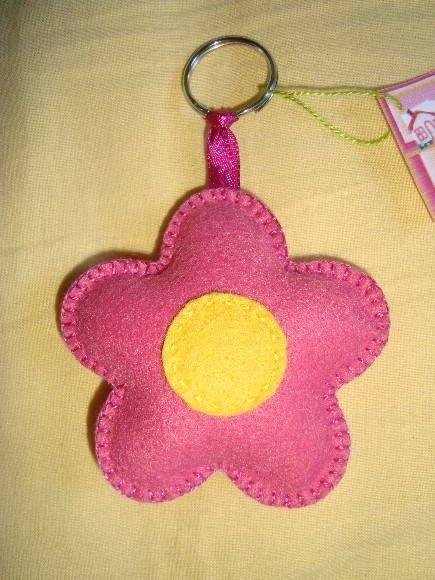 chaveiro de feltro flor rosa