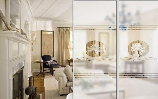 Divisória de vidro para sala.