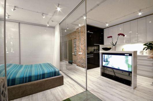 Divisória de vidro para quarto.