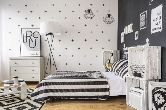 Enfeites minimalistas para quarto de casal