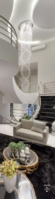 lustre moderna para escada