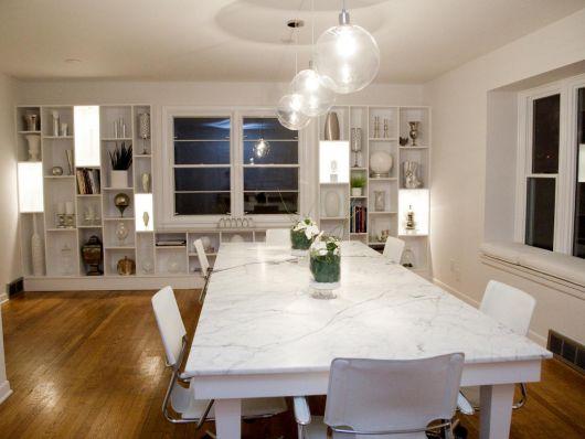 Pendentes transparentes para deixar a sala de jantar mais iluminada