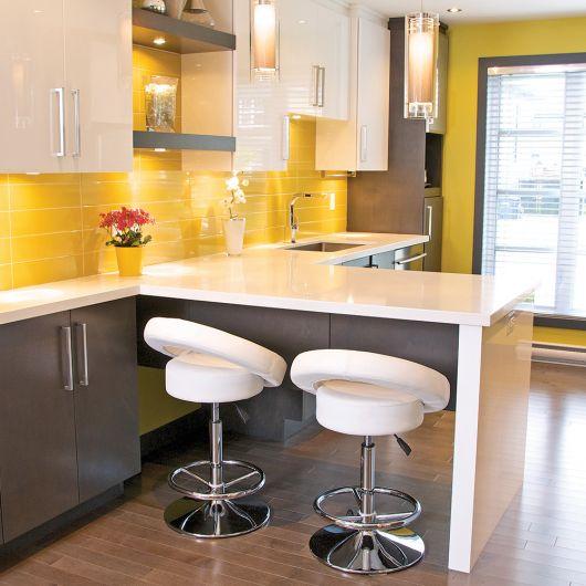 renove sua cozinha com lustres pendentes no balcão
