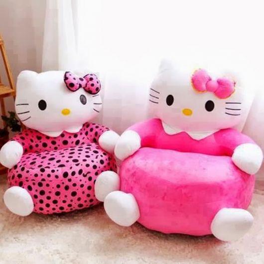 Dois puffs lindos inspirados na Hello Kitty