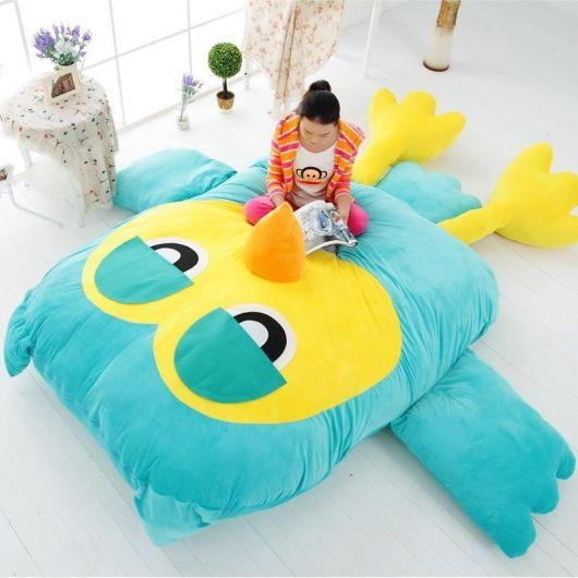 O puff gigante de animal pode ser colocado na sala ou no quarto