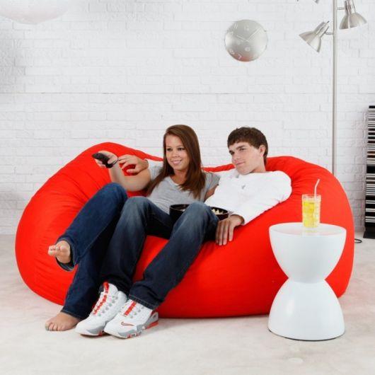 Use o puff de casal para relaxar e ver TV