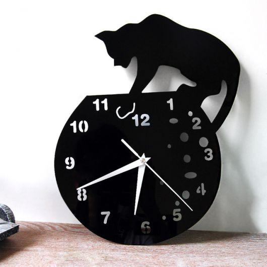 relogio de gato preto.