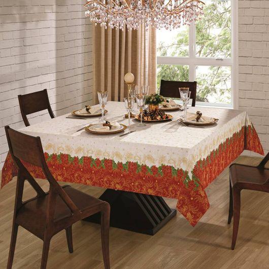 Toalha de mesa cor nude com vermelho terra.
