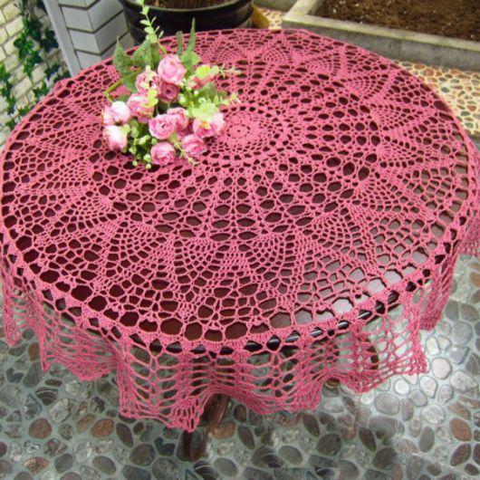 toalha de crochê cor de rosa ponto aberto,