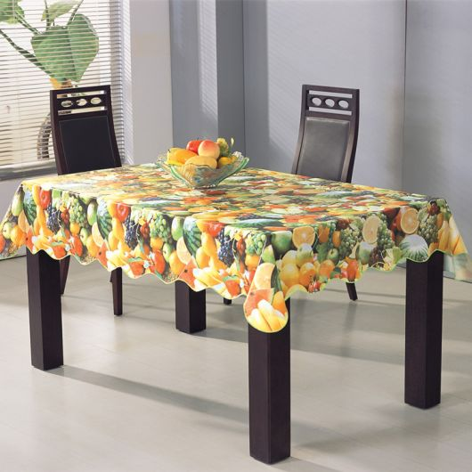 toalha de mesa colorida.